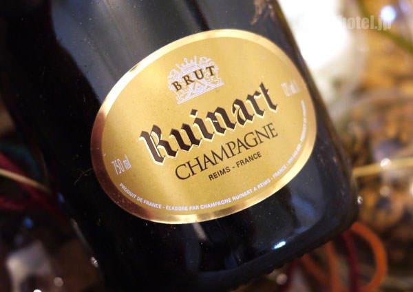グランド ハイアット 東京 クリスマスハンパー スパークリングワインのラベル
