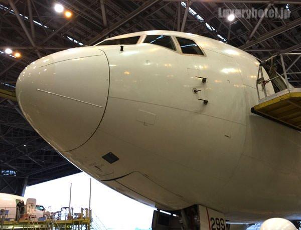 JAL 格納庫の飛行機