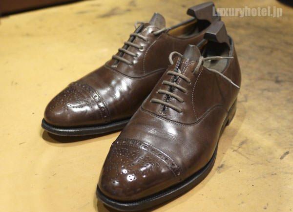 職人さんに磨かれた靴