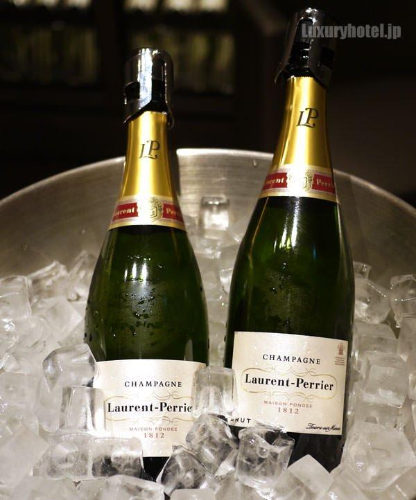 RED suiteでは「ローラン・ペリエ」のシャンパンを「リーデル」のグラスで飲める