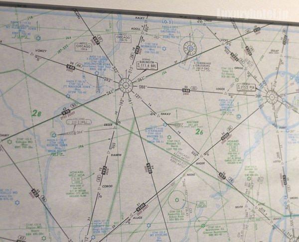 プレイルームの壁には航路図が貼られている