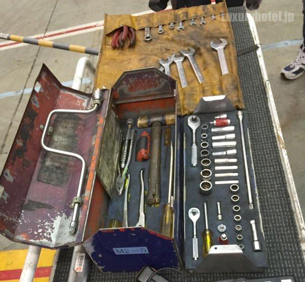 JAL整備士の工具類は綺麗に整理されている