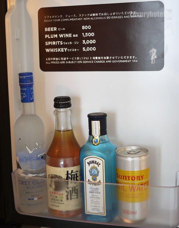冷蔵庫の扉川にはお酒もあります