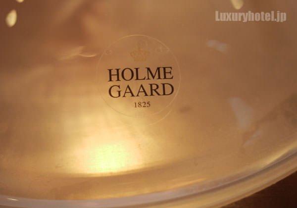 ランプのメーカーはデンマーク王室御用達ブランドのホルムガード社