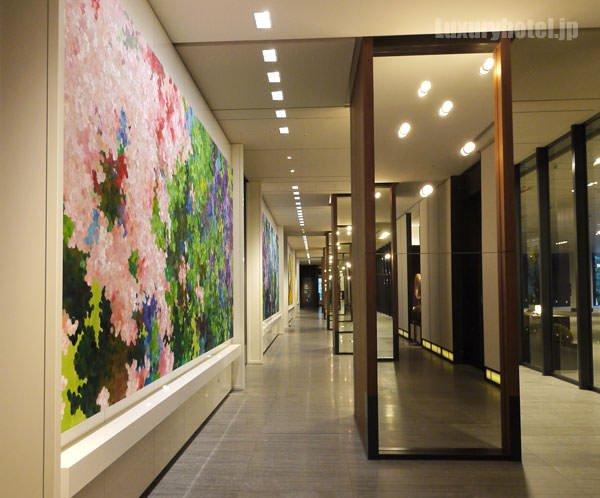 虎ノ門ヒルズの1F 長い廊下
