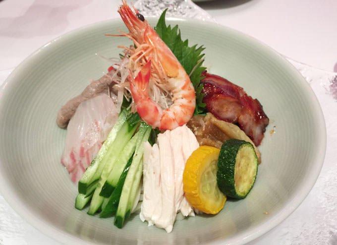 五目冷やし麺 ~クロレラ翡翠麺と海洋性コラーゲン麺~ 胡麻ソースまたは柚子昆布醤油ソース