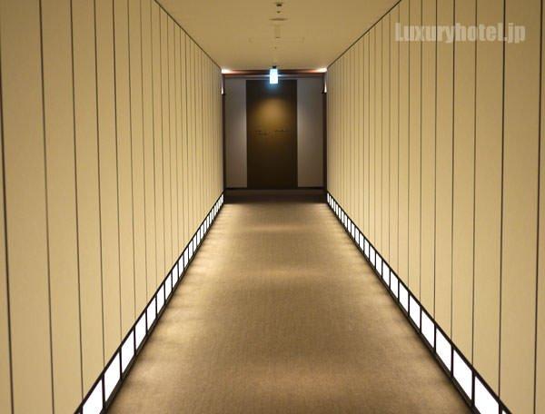 アンダーズ 東京の長い廊下
