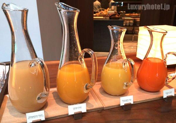フルーツジュースは4種類用意されていた