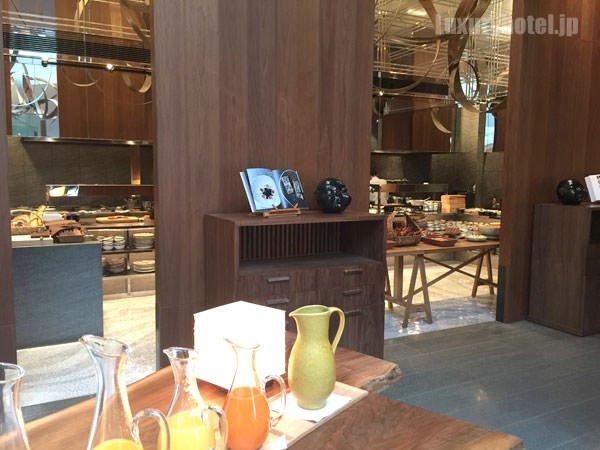 ブッフェ台が置かれているキッチンスペース