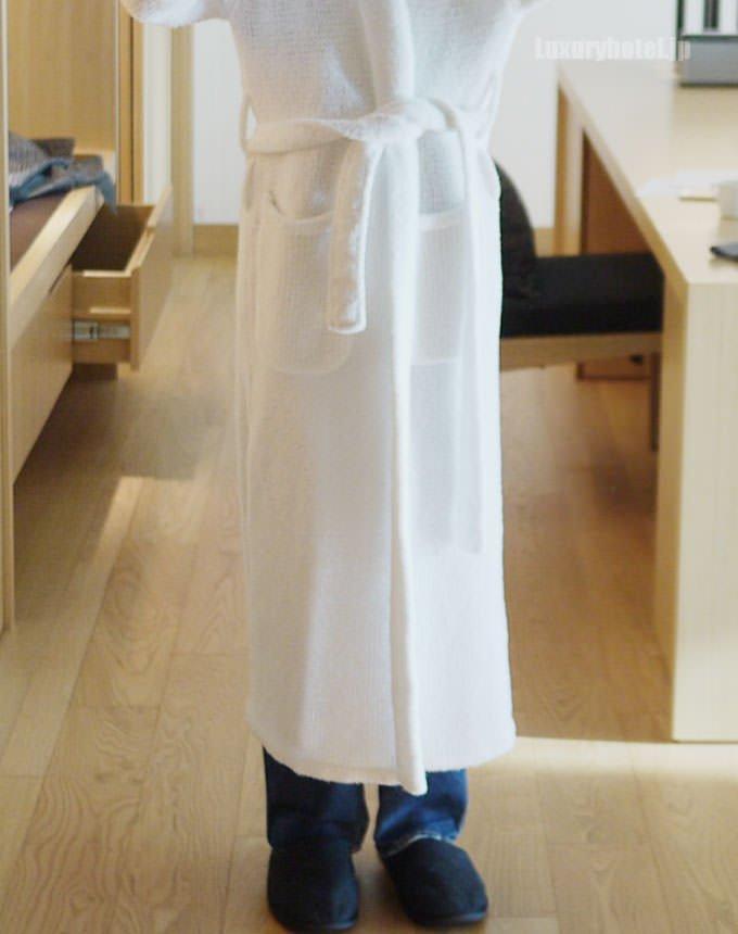 バスローブを着てみた スネくらいまでの長さ