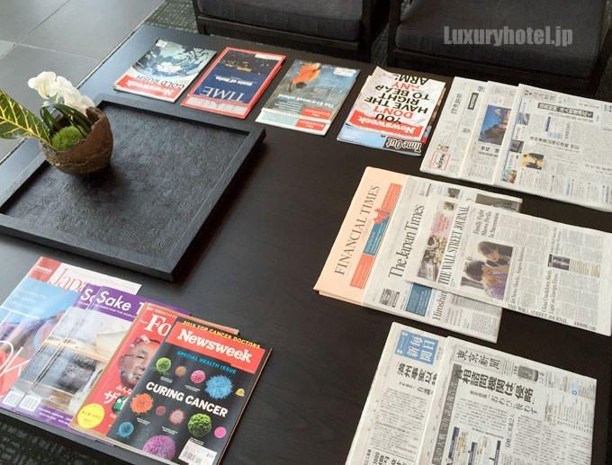 新聞や雑誌は英語のものが多い