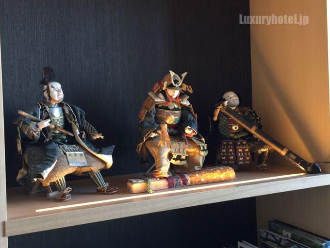 日本人形も飾られている