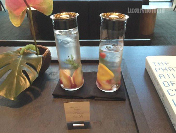 アマン東京オリジナルのinfused waterも置いてある