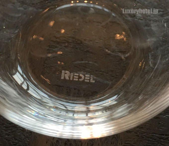 グラスはリーデル