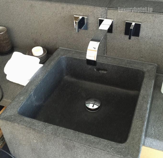 洗面台も綺麗になっている