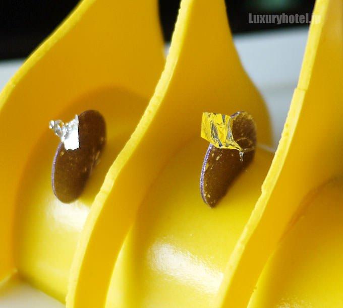 ルミエールの装飾はチョコレートで出来ている