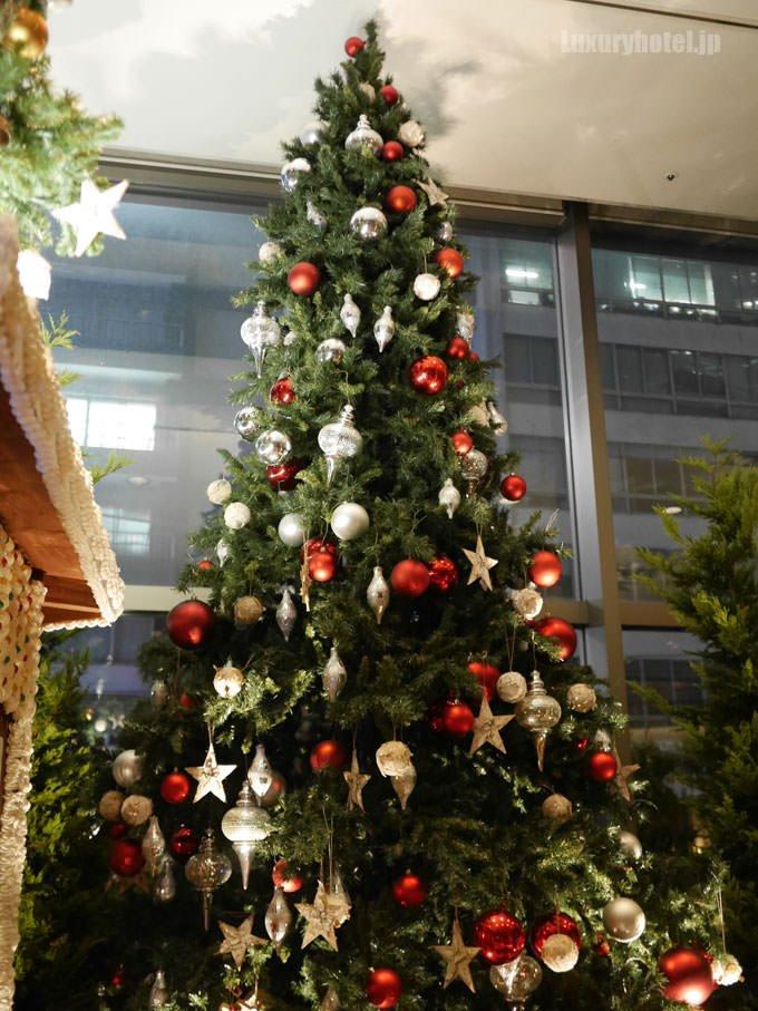 グランド ハイアット 東京ロビーのクリスマスツリー