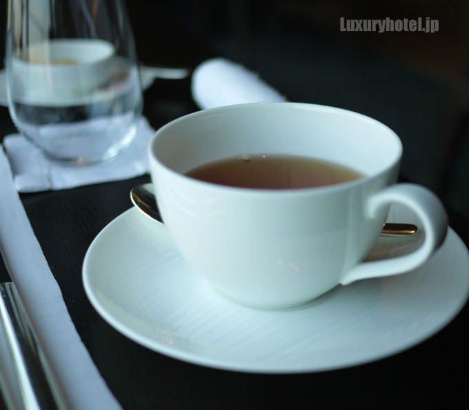 紅茶をお願いしました
