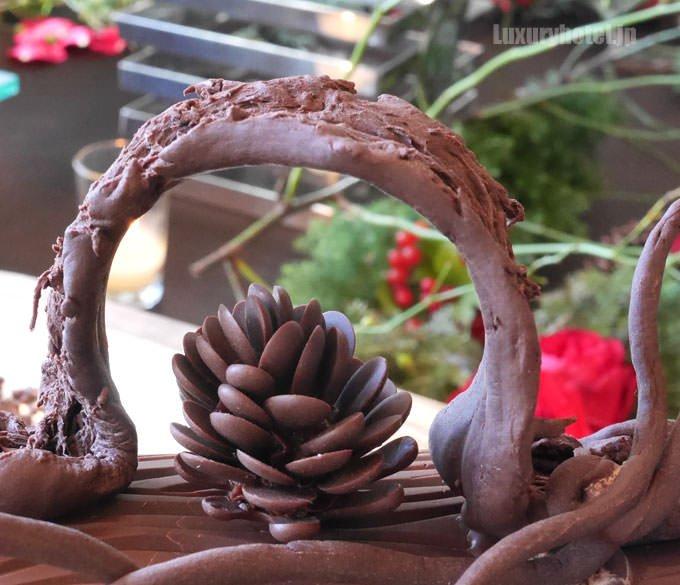 ブッシュ・オペラの飾りもチョコレート