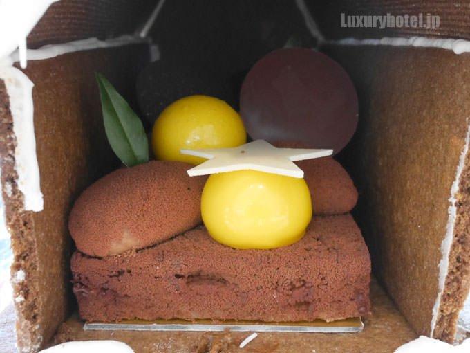 ヘクセンハウスの中にはもう1つのケーキ