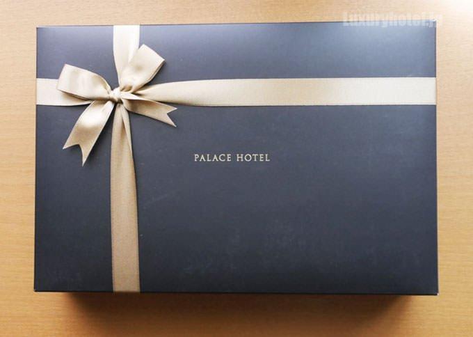パレスホテル東京 地鶏チキンカレー 和牛ビーフカレーセット パッケージ箱