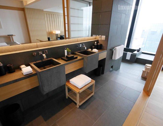 アマン東京コーナースイート 洗面所
