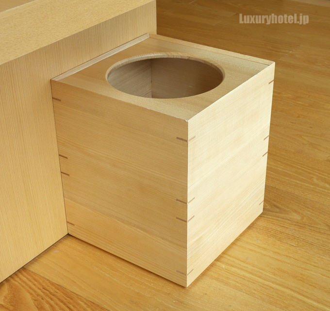 木目調のゴミ箱