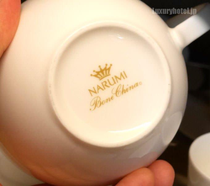 コーヒーカップはNARUMI
