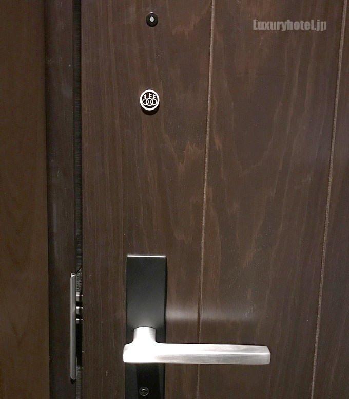 ドアの鍵はオートロック