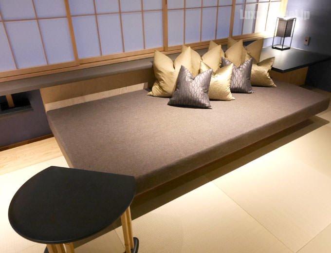 星のや東京 菊のソファー