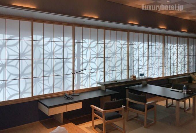 星のや東京「菊」宿泊記4 リビングの障子に映る文様が美しい タイトル画像