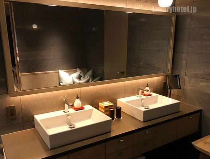 星のや東京 「菊」の洗面所