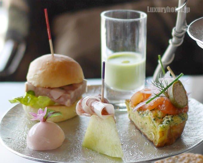 アフタヌーンティー3段目 ハンバーガーなどセイボリー画像