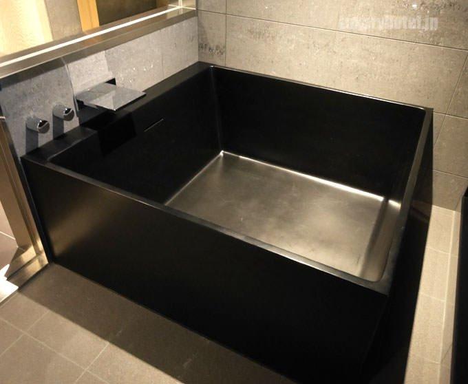 星のや東京「菊」宿泊記7 バスルームの風呂とシャワーの詳細を紹介!