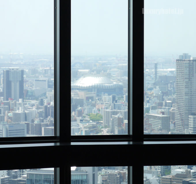 京セラ大阪ドームが見える
