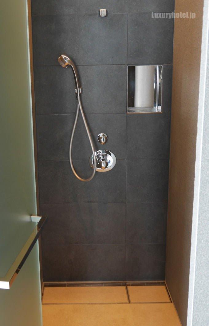 シャワーの中の様子