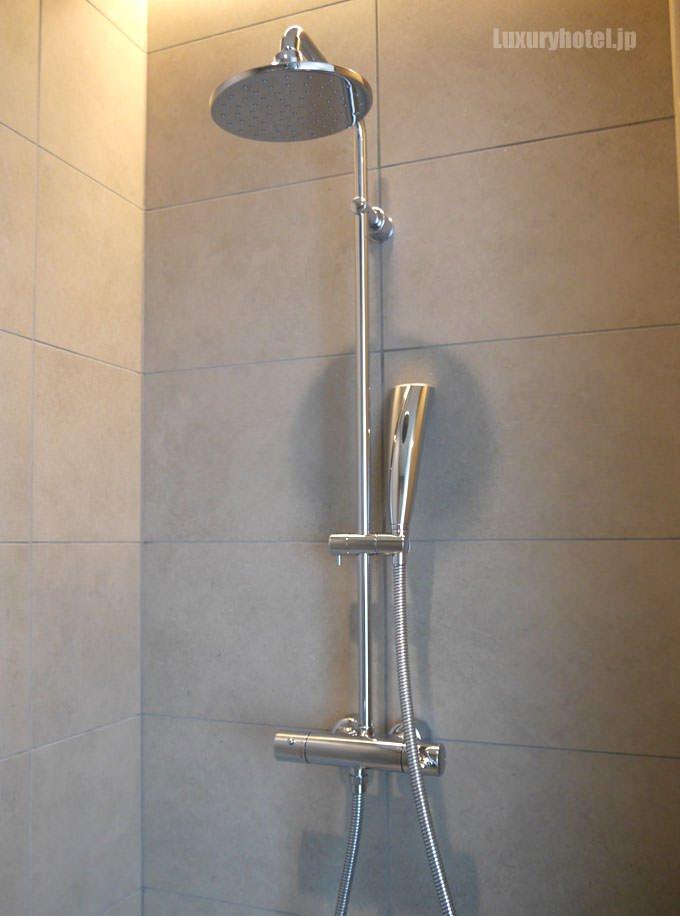 シャワースペースもある