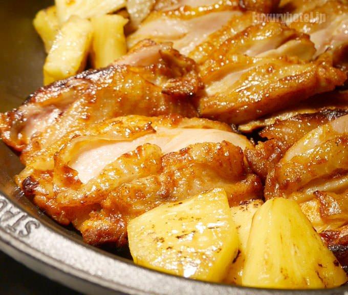 タンドリーチキンとローストパイナップル