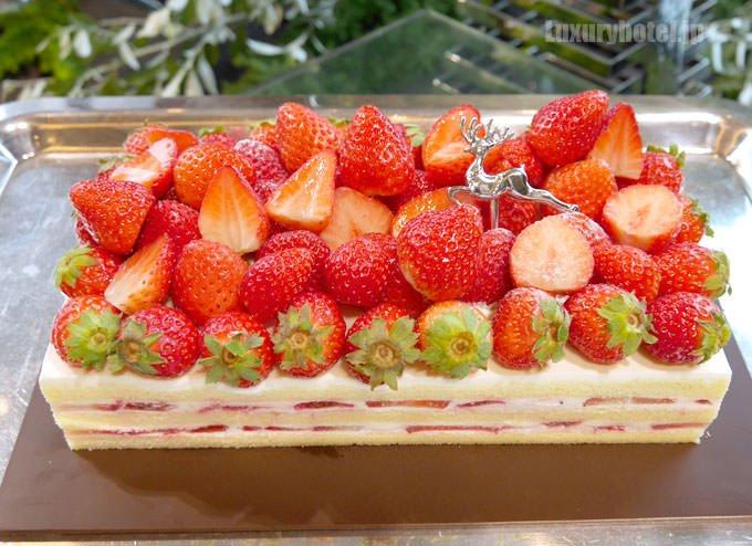 リーヴル ド ノエルの中に入っているケーキ。