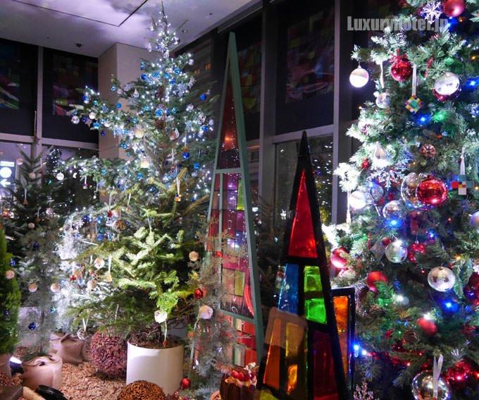 グランド ハイアット 東京 ロビー クリスマスツリー