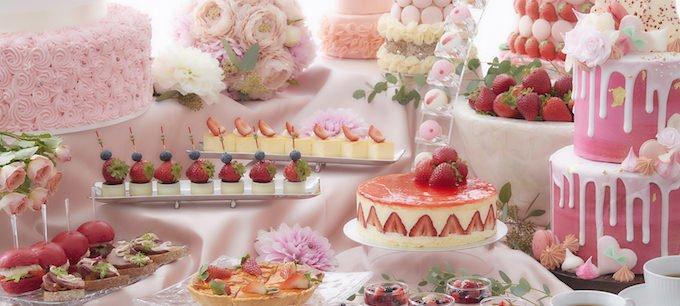 コンラッド東京が開催するストロベリーブッフェ「オトナ苺スイーツブッフェ」