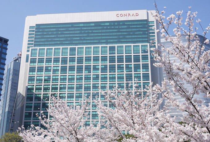 浜離宮恩賜庭園の桜とコンラッド東京
