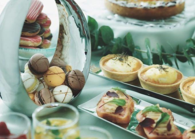 マカロンやエクレアなど、フランスの伝統菓子