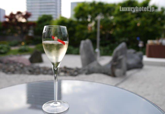 セント レジス ホテル 大阪 NYシャンパンガーデン タイトルが像