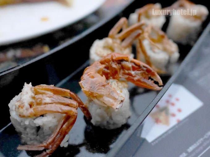 ソフトシェルクラブロール寿司