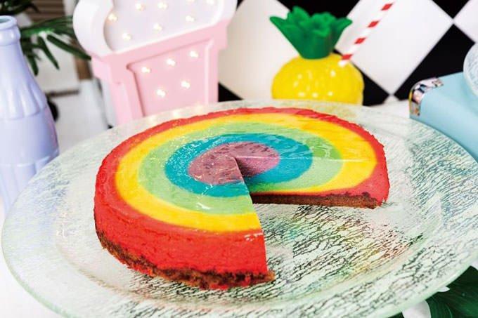 「レインボーチーズケーキ」