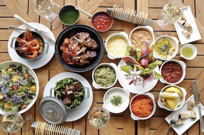 パレスホテル東京 夏のテラスプラン「Summer Terrace Gathering」をが今年も開催!オーストラリア料理を水辺で堪能