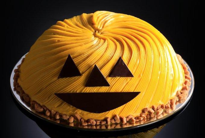 おばけかぼちゃの巨大ケーキ