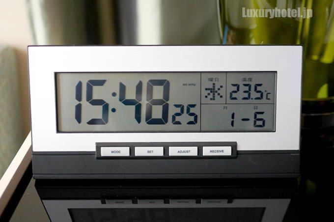 セント レジス ホテル 大阪のデジタル時計画像