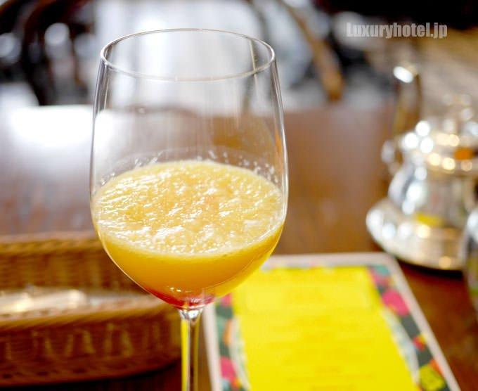 ウェルカムドリンクの「オレンジサンライズ」